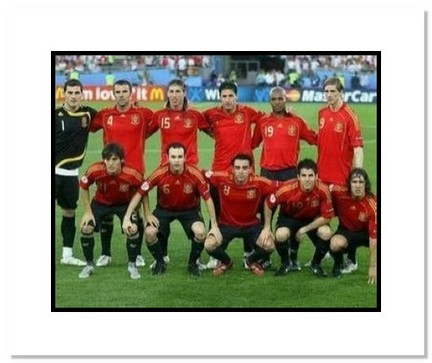 """2008 Team Spain """"Starting Eleven at World Cup"""" Double Matted 8"""" x 10"""" Photograph"""