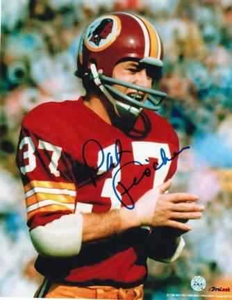 """Pat Fischer Autographed Washington Redskins 8"""" x 10"""" Photo"""