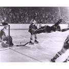 "Bobby Orr ""The Dive"" Black and White 16"" x 20"" Photograph (Unframed)"
