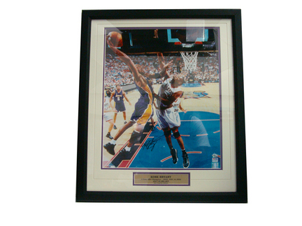 """Kobe Bryant Autographed 16"""" x 20"""" Photograph in a Deluxe Frame"""