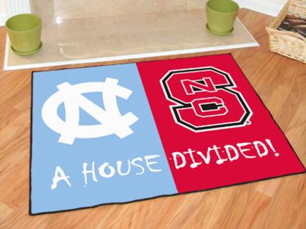 """North Carolina Tar Heels and North Carolina State Wolfpack 34"""" x 45"""" House Divided Mat"""