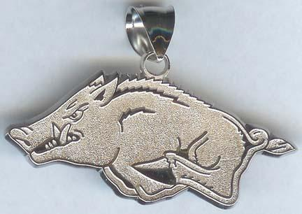 """Arkansas Razorbacks Athletic """"Razorback"""" 1/2"""" Lapel Pin - 10KT Gold Jewelry"""