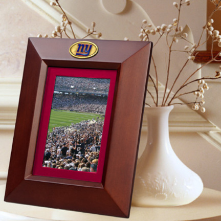"New York Giants 5"" x 7"" Vertical Brown Picture Frame"