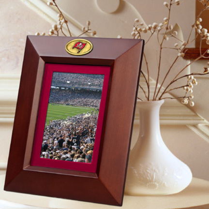"""Tampa Bay Buccaneers 5"""" x 7"""" Vertical Brown Picture Frame"""