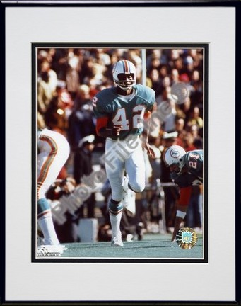 """Paul Warfield """"Action"""" Double Matted 8"""" X 10"""" Photograph in Black Anodized Aluminum Frame"""