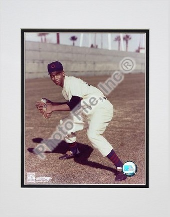 """Ernie Banks """"Fielding, Posed"""" Double Matted 8"""" x 10"""" Photograph (Unframed)"""