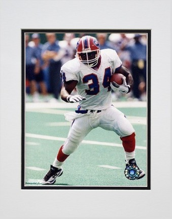 """Thurman Thomas """"Action"""" Double Matted 8"""" x 10"""" Photograph (Unframed)"""