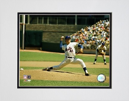 Tom Seaver Pitching Action Double Matted 8 X 10 Photograph Unframed