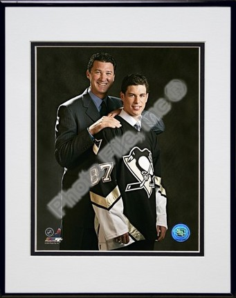 "Sidney Crosby and Mario Lemieux """"2005 Draft Day"""" Double Matted 8"""" X 10"""" Photograph in Black Anodized Aluminum Frame"" PHF-AAGS131-37"