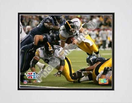 """Ben Roethlisberger """"Super Bowl XL Dive #4"""" Double Matted 8"""" x 10"""" Photograph (Unframed)"""
