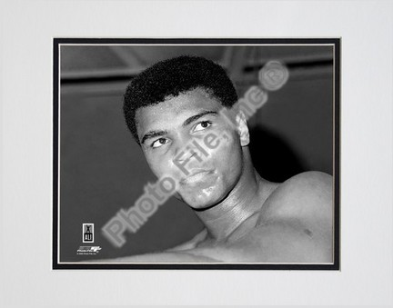 """Muhammad Ali #6 Double Matted 8"""" X 10"""" Photograph (Unframed)"""