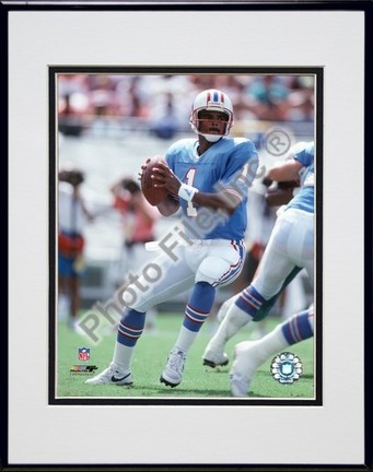 """Warren Moon """"Passing Action"""" Double Matted 8"""" X 10"""" Photograph in a Black Anodized Aluminum Frame"""