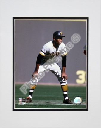 """Roberto Clemente """"1970 Action"""" Double Matted 8"""" x 10"""" Photograph (Unframed)"""