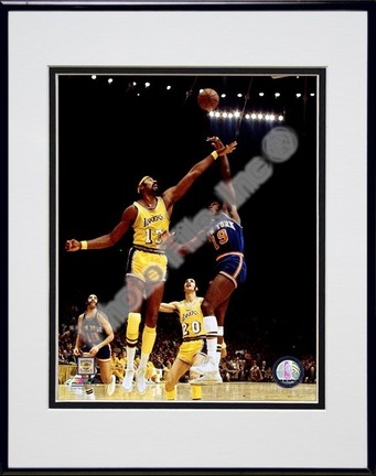 """Willis Reed """"1973 Action"""" Double Matted 8"""" x 10"""" Photograph in Black Anodized Aluminum Frame"""