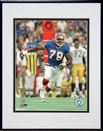 """Bruce Smith """"""""Action"""""""" Double Matted 8� x 10� Photograph in Black Anodized Aluminum Frame"""" PHF-AAIL101-37"""