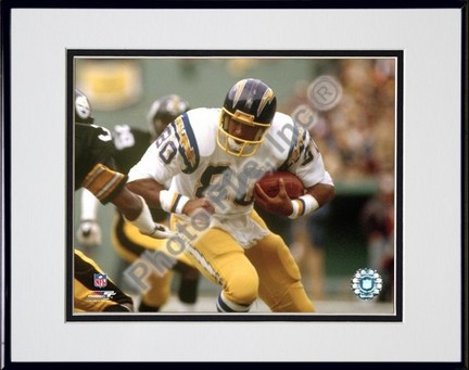 """Kellen Winslow """"""""Action"""""""" Double Matted 8� x 10� Photograph in Black Anodized Aluminum Frame"""" PHF-AAIX020-37"""