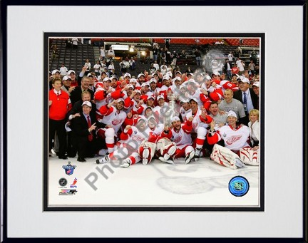 """2007-2008 Detroit Red Wings Stanley Cup Champions Celebration on Ice Double Matted 8"""" x 10"""" Photograph in Black Anod"""