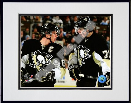Sidney Crosby and Evgeni Malkin 2008-2009 Group Shot Double Matted 8� x 10� Photograph in Black Anodized Aluminum Frame PHF-AAKU126-37