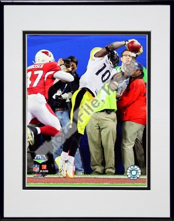 """Santonio Holmes """"Super Bowl XLIII Action (#13)"""" Double Matted 8"""" x 10"""" Photograph in Black Anodized"""