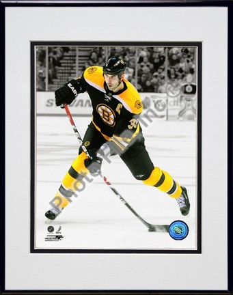 Zdeno Chara Spotlight Collection Double Matted 8� x 10� Photograph in Black Anodized Aluminum Frame PHF-AALH116-37