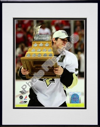 """Evgeni Malkin """"2009 with Conn Smythe Trophy (#36)"""" Double Matted 8"""" x 10"""" Photograph in Black Anodiz"""