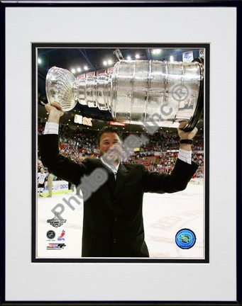 """Mario Lemieux """"""""Game 7 of the 2008 - 2009 NHL Stanley Cup Finals with Trophy (#520)"""""""" Double Matted 8"""""""" x 10"""""""" Photograph in Black Anodized Aluminum Frame"""" PHF-AALK062-37"""