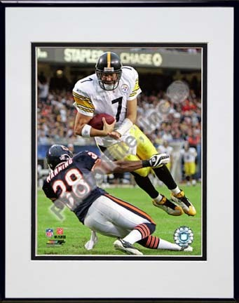 """Ben Roethlisberger 2009 Action """"In Action"""" Double Matted 8"""" x 10"""" Photograph in Black Anodized Aluminum Fr"""