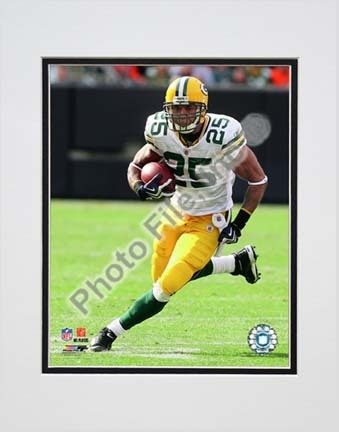 "Ryan Grant 2009 Action ""Away Jersey"" Double Matted 8"" x 10"" Photograph (Unframed)"