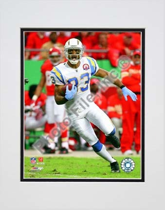 "Vincent Jackson 2009 Action ""Run"" Double Matted 8"" x 10"" Photograph (Unframed)"