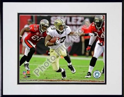 """Pierre Thomas 2009 Action """"""""Juke"""""""" Double Matted 8� x 10� Photograph in Black Anodized Aluminum Frame"""" PHF-AALX018-37"""