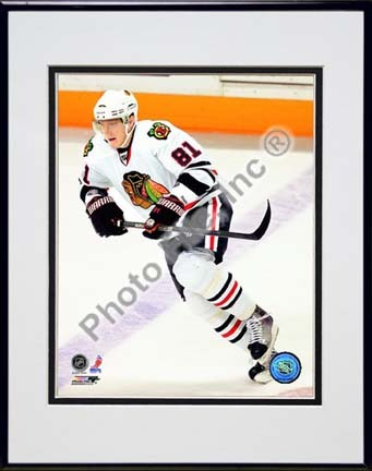 "Marian Hossa 2009 - 2010 Action """"White Jersey"""" Double Matted 8� x 10� Photograph in Black Anodized Aluminum Frame"" PHF-AALX072-37"