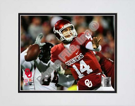 """Sam Bradford Oklahoma Sooners 2008 Action Double Matted 8"""" x 10"""" Photograph (Unframed)"""