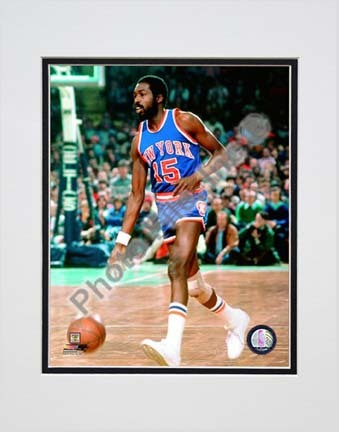 """Earl Monroe 1979 Action Double Matted 8"""" x 10"""" Photograph (Unframed)"""