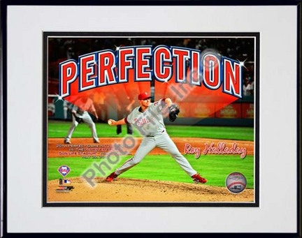 """Roy Halladay Perfection Overlay Double Matted 8"""" x 10"""" Photograph in Black Anodized Aluminum Frame"""