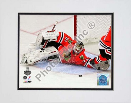 "Antti Niemi Game Five of the 2010 NHL Stanley Cup Finals Action (#18) Double Matted 8"" x 10"" Photograph (Unframed)"