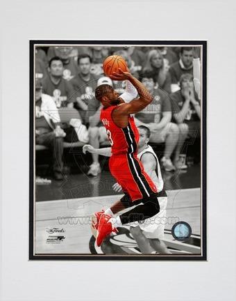 "Dwyane Wade Miami Heat 2011 NBA Finals ""Game 3"" Spotlight Action (#21) Double Matted 8"" X 10"" Photog"