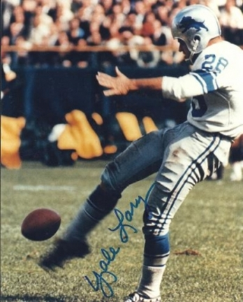 """Yale Lary Autographed Detroit Lions 8"""" x 10"""" Photograph Hall of Famer (Unframed)"""