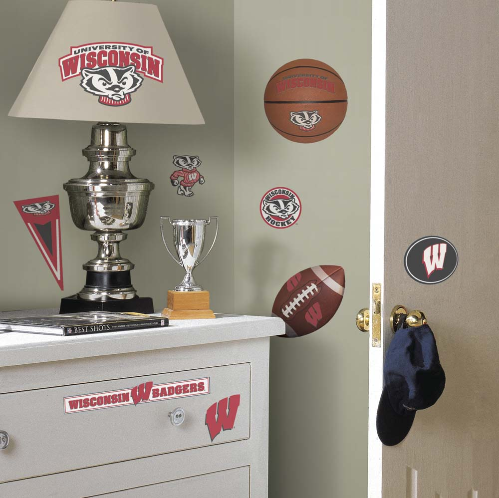 Wisconsin Badgers Peel and Stick Applique / Wall Decal Set