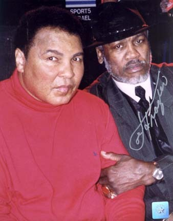 "Joe Frazier Autographed ""Peace of History"" Ali / Frazier Make-Up 2/10/02 16"" x 20"" Color Photograph"