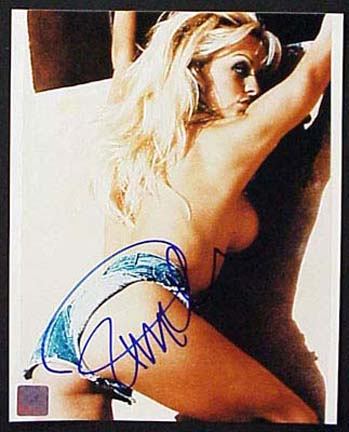 """Pamela Anderson Autographed """"Wall"""" 16"""" x 20"""" Color Photograph (Unframed)"""